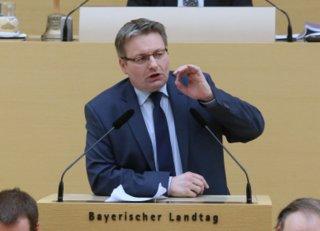 Josef Zellmeier, Abgeordneter der CSU am 2. Februar 2016 im Bayerischen Landtag