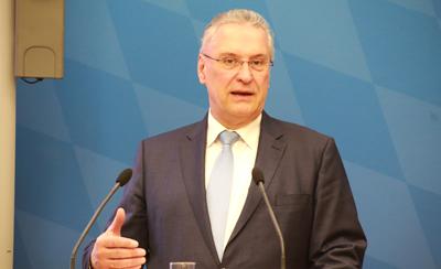 """Bayerischer Innenminister Herrmann: """"Wir wollen diesen Wahlkampf aus der Türkei nicht in unserm Land!"""""""